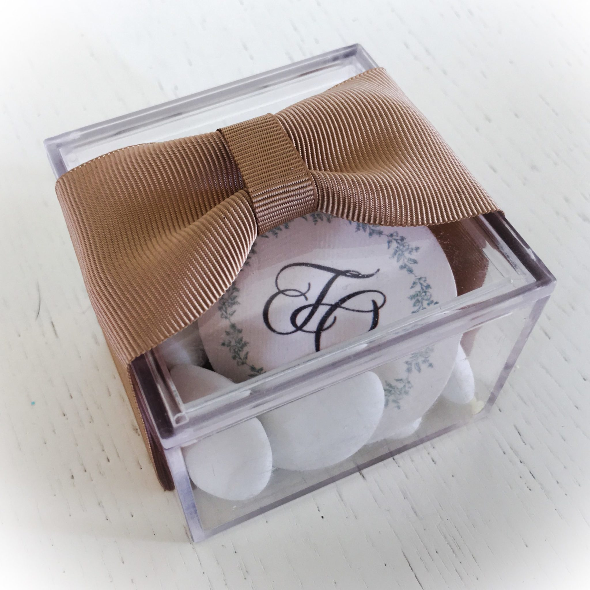 Chic And Simple-wedding favor box-proposal b