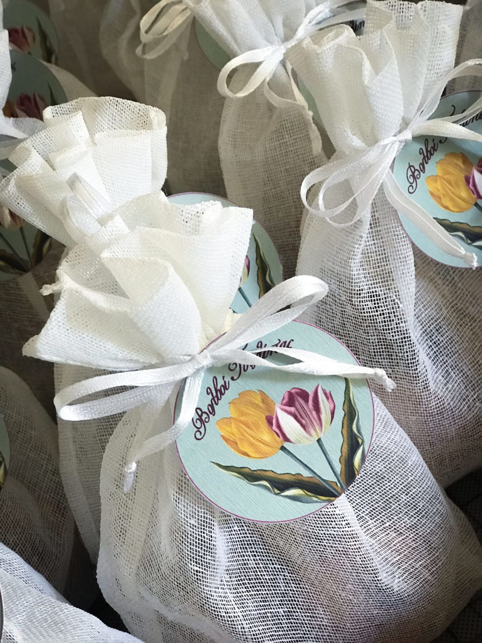 Tulips-baptism-kids gift box-details